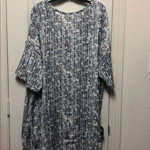 Melissa McCarthy Tops - Melissa McCarthy hi-low shirt with pocket